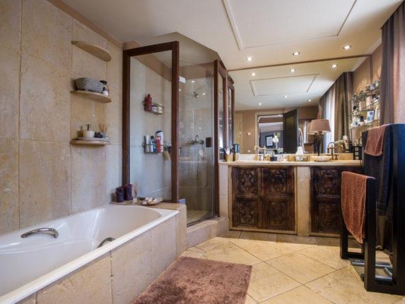 Luxury Villa Nagueles Town
